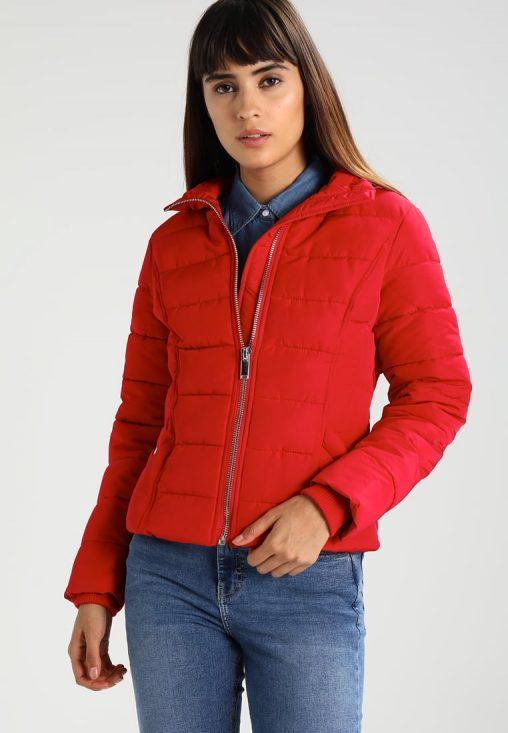 Czerwona zimowa kurtka ze ściagaczami