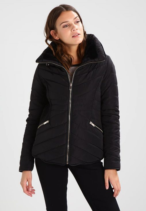 Czarna kurtka zimowa bez kaptura
