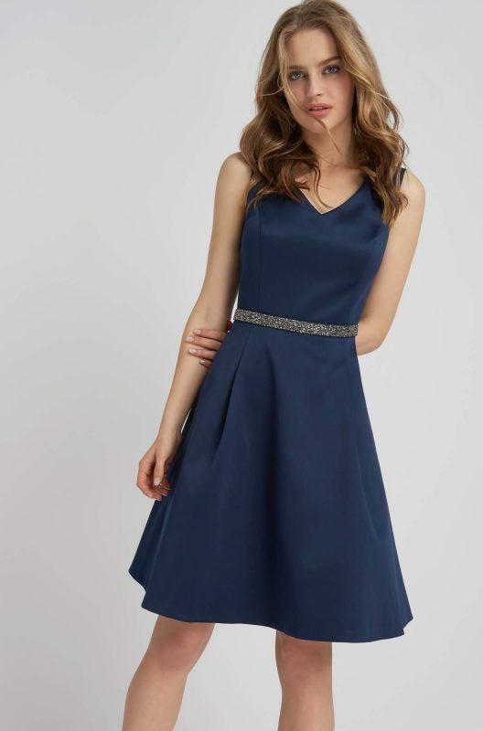 Koktajlowa sukienka satynowa