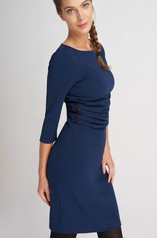 Elegancka sukienka ołówkowa z aplikacją
