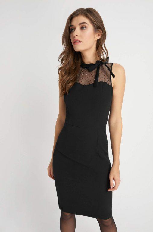 Czarna ołówkowa sukienka z siateczką w dekolcie