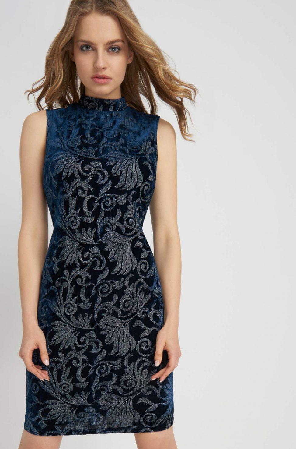 Welurowa ołówkowa sukienka z wzorami