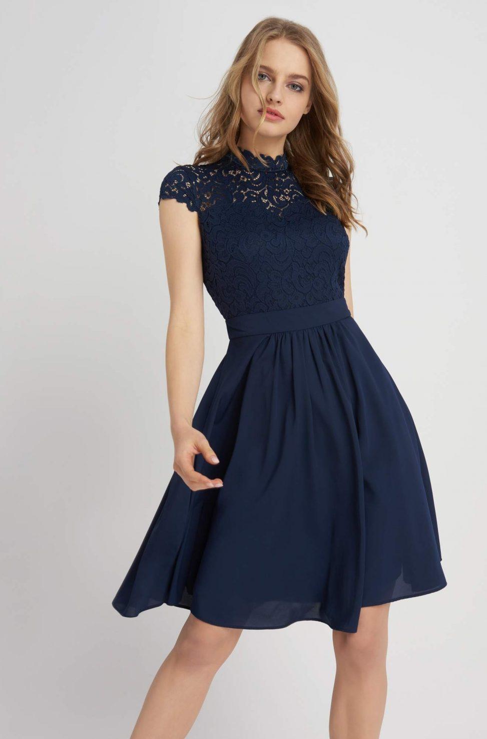 Rozkloszowana sukienka z koronkową górą granatowa