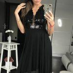 Czarna sukienka z cekinami na sylwestra