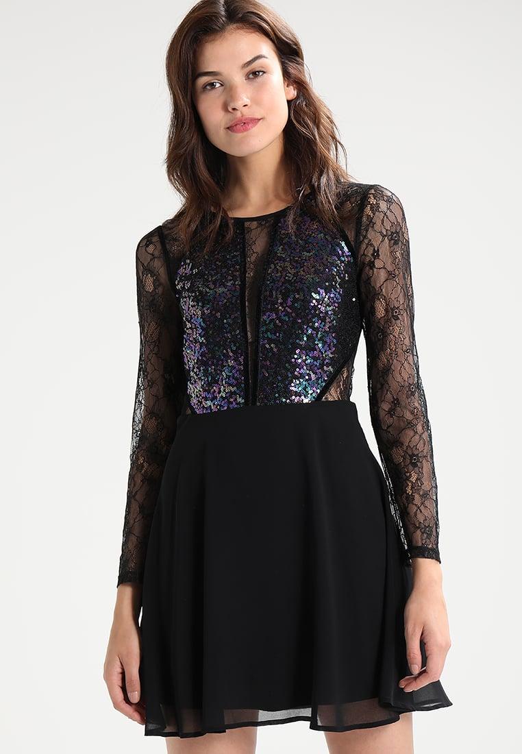 Błyszcząca sukienka sylwestrowa