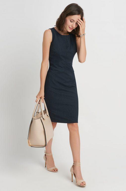 Elegancka sukienka ołówkowa bez rękawów