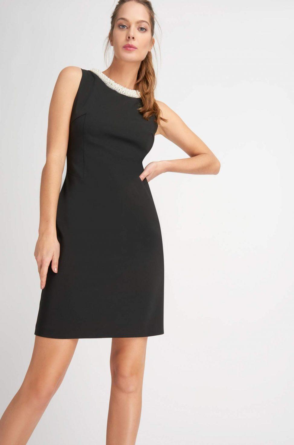Czarna sukienka z perełkami