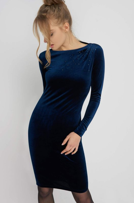 Ołówkowa sukienka welurowa długi rękaw