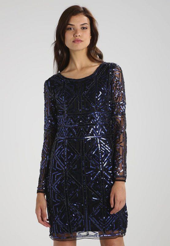 Granatowa połyskująca sukienka z cekinami na sylwestra