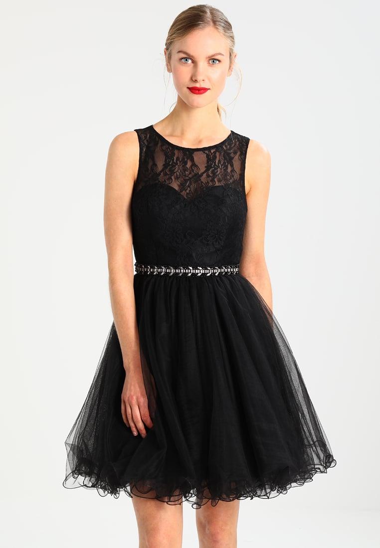 Czarna sukienka z tiulowym dołem