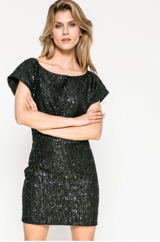 Sukienka na imprezę połyskująca w świetle