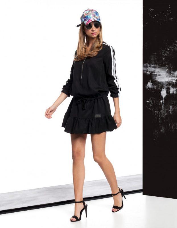 Czarna sportowa sukienka z kapturem