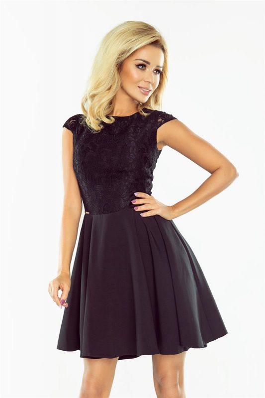 Rozkloszowana czarna sukienka koktajlowa