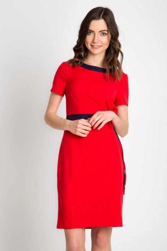 Elegancka czerwona sukienka do pracy lub na wesele