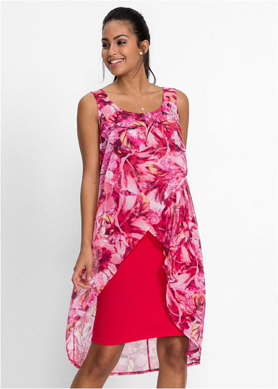 Zwiewna wyszczuplająca sukienka różowa