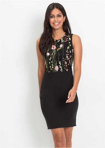 Elegancka dopasowana sukienka z kwiatowym wzorem