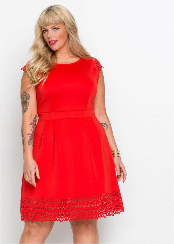 Czerwona sukienka plus size dla puszystych