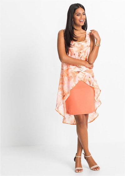 Zwiewna wyszczuplająca sukienka koralowa