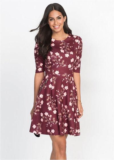 Bordowa sukienka rozkloszowana w kwiaty