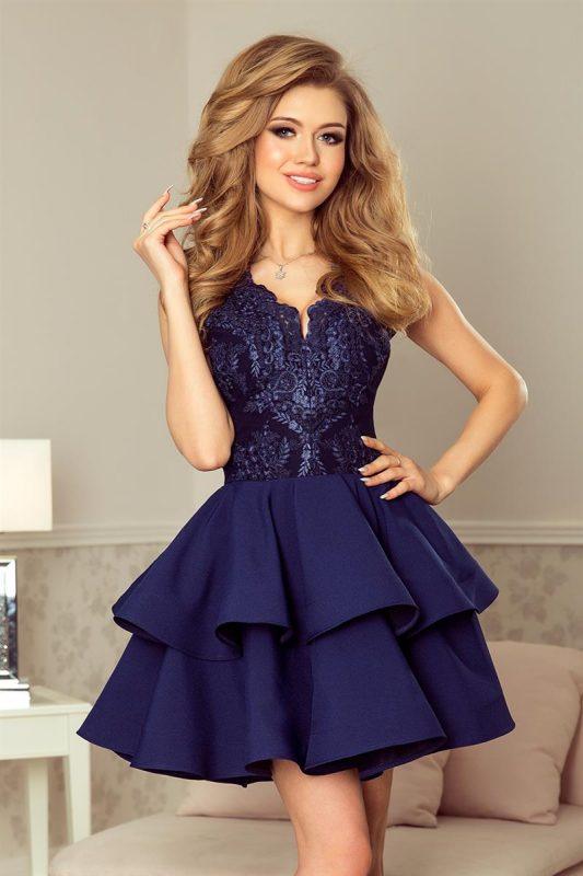 Granatowa sukienka na wesele z koronkową górą