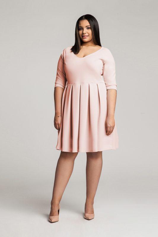 Rózowa rozkloszowana sukienka plus size copy
