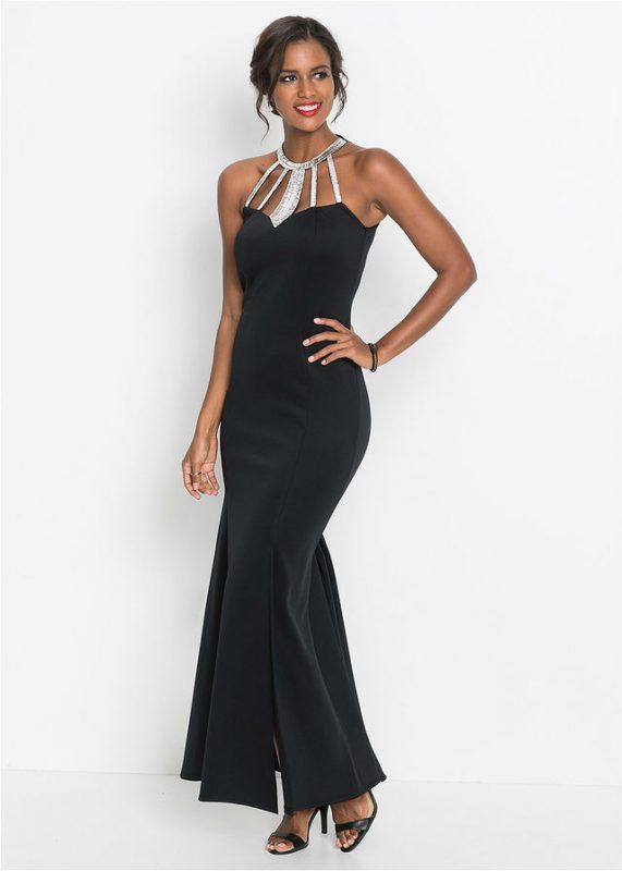 Czarna długa suknia wieczorowa