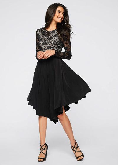 Czarna zwiewna sukienka z koronkową górą