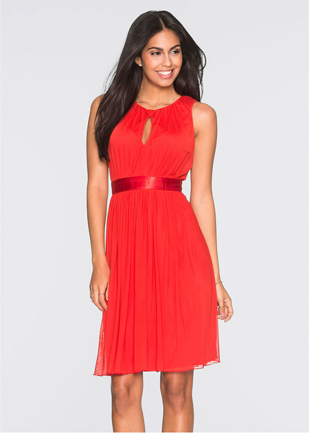 Taliowana sukienka z wycięciem w biuście, czerwona