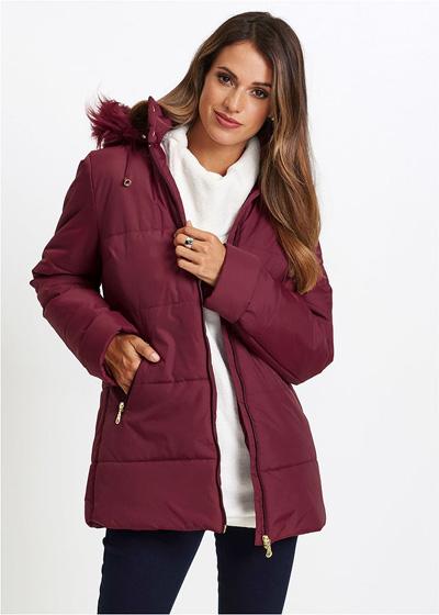 Ciepła kurtka pikowana z futerkiem bordowa