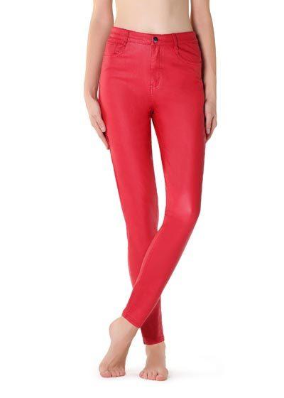 Czerwone legginsy skórzane z kieszeniami