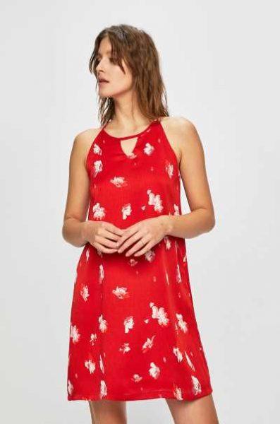 Sukienka w kwiaty na lato czerwona